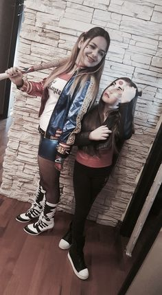 Cosplay Harley Quinn and katana
