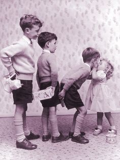 Hahaha reminds me of me when I was little, kissin every boy I could find ;)<<< That is not me but it is cute!!