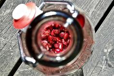 Vaniljavanukas kirsikkakastikkeella