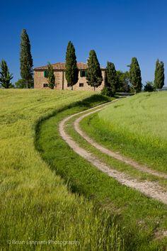 Country villa near Pienza, Tuscany Italy © Brian Jannsen Photography
