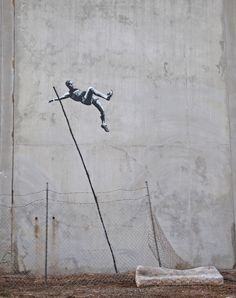 Banksy enters the Olympic Graffiti Games. Authorities have threatened to wash away graffiti, will they eradicate a Banksy? 3d Street Art, Street Art Banksy, Street Art Utopia, Amazing Street Art, Street Artists, Wall Street, Banksy Graffiti, Graffiti Games, Graffiti Artwork