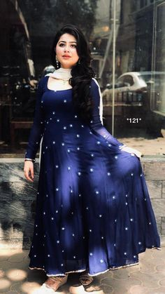 Georget gown with thread work ( 3 meter flair ) ( Full stich upto 42 )( Length 55 )Nazneen duppata ( meter )Unstich Santoon bottom ( 2 meter )For Order DM on (Whtsapp No). Robe Anarkali, Saree Dress, Lehenga, Sleeves Designs For Dresses, Dress Neck Designs, Designer Kurtis, Designer Anarkali Dresses, Designer Dresses, Leotard Fashion