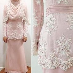 A lovely modern kurung for Lin's solemnization, mixed of white corded lace and soft dusty pink chiffon with pink beads embellishment and matching veil. Congratulations in advance darling ❤️ #weddingmalaysia #unreveurbride