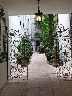Parisian gates