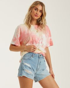 Beach Comber Tie-Dye Top 828570874735 | Billabong Tye Dye, Bleach Tie Dye, Bleach Pen, How To Tie Dye, Tie And Dye, Dye T Shirt, T Shirt Diy, Cute Tie Dye Shirts, Tie Die Shirts