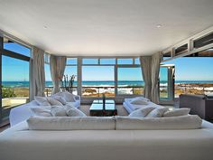 An extraordinary beach house with one of the best views in the world - Bloubergstrand Best Real Estate Websites, The Cool Republic, Destinations, Single Bedroom, Interior Exterior, Lounge Areas, Interiores Design, Nice View, House Design