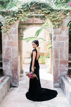 Black wedding dress | Dana Fernandez Photography | see more on: http://burnettsboards.com/2014/10/dia-de-los-muertos-wedding-inspiration-shoot/