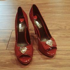 4bc1e104924126 czerwone szpilki Love Moschino - vinted.pl Moschino, Salvatore Ferragamo