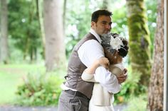 Real Weddings: Elisabeth & Jeshua's $5,000 Oregon Lake Wedding