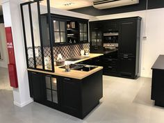 Home Design Decor, Küchen Design, Interior Design Kitchen, House Design, Home Decor, Black Kitchen Cabinets, Black Kitchens, Cool Kitchens, Kitchen Black