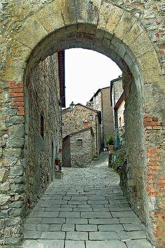 Toscana Castelnuovo val di Cecina #TuscanyAgriturismoGiratola Old Street, Drawing People, Arches, Dice, Bridges, Abandoned, Travel Inspiration, Italy, Island