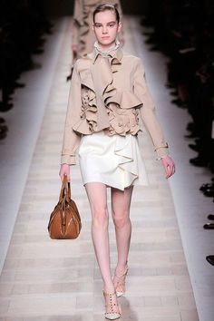 Valentino Fall 2010 RTW - Runway Photos - Fashion Week - Runway, Fashion Shows and Collections - Vogue Runway Fashion, Fashion Show, Rudolph Valentino, Style Finder, Italian Fashion, Catwalk, Ready To Wear, Vogue, My Style
