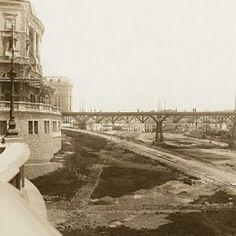 Início do século 20 - Vale do Anhangabaú, visto a partir do primeiro bloco do Conde Prates em direção ao antigo Viaduto do Chá, no fundo. Fonte: Agência Estado.