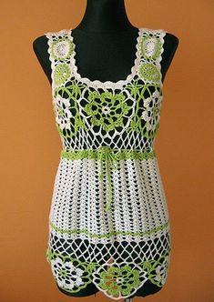 Yeşil beyaz tığla yapılmış bayan bluzlar