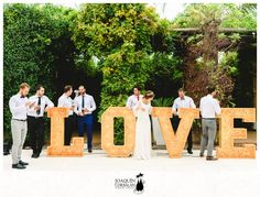 Letras luminosas de madera, love Love, Channel Letters, Chandeliers, Wedding Pictures, Weddings, Amor