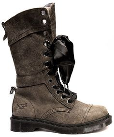 I want now. Dr Martens - Triumph 1914 Grey Savannah With Union Jack Lining