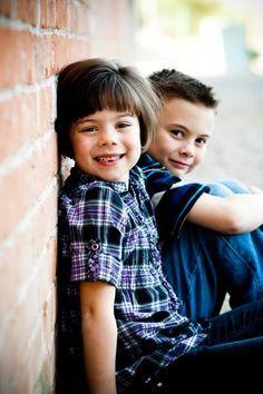 cute Sibling Photo Shoots, Sibling Photos, Photo Poses, Sibling Photography, Toddler Photography, Birthday Photography, Kid Photos, Sister Photos, Brother Sister Poses