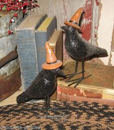 Two-BLacK-CROW-BiRd-Statues-Primitive-Thanksgiving-French-Country-Fall-Decor