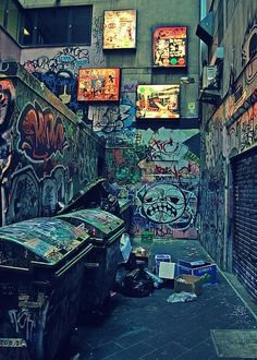 An exploration of Melbourne's graffiti art. See examples of Melbourne's famous graffiti covered alleyways. Graffiti Art, Street Art Graffiti, Graffiti Tagging, Graffiti Wallpaper, Photographie Street Art, Melbourne Graffiti, Scary Gif, Urbane Kunst, Abandoned Places