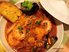 la zuppa di pesce senza spine!!Si è deliziosa...e poi accompagnata da delle fettone di pane tostato con l'aglio e l'olio.