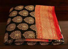 Banarasi Georgette silk saree Banaras Sarees, Kanchipuram Saree, Handloom Saree, Indian Attire, Indian Ethnic Wear, Indian Dresses, Indian Outfits, Trendy Sarees, Indian Textiles