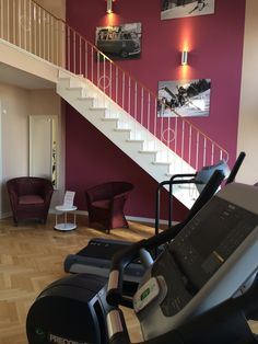 Unser lichtdurchfluteter Fitnessraum steht unseren Hotelgästen kostenfrei zur Verügung!