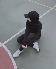 Niqab Fashion, Modern Hijab Fashion, Street Hijab Fashion, Hijab Fashion Inspiration, Muslim Fashion, Hijab Sport, Sports Hijab, Hijab Fashionista, Casual Hijab Outfit