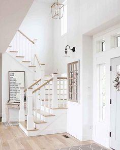 80 Modern Farmhouse Staircase Decor Ideas – Decorating Ideas - Home Decor Ideas and Tips - Page 2 Coastal Living Rooms, Farmhouse Remodel, Staircase Decor, House Interior, Stairs Design, Home, Farmhouse Staircase, Modern Farmhouse Kitchens, Farm House Living Room