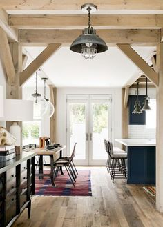 20 Kitchens That Wll Get You Cooking Modern Farmhouse Interiors, Modern Rustic Homes, Country Farmhouse Decor, Farmhouse Style, Farmhouse Contemporary, Industrial Interiors, Farmhouse Ideas, Contemporary Design, Modern Design