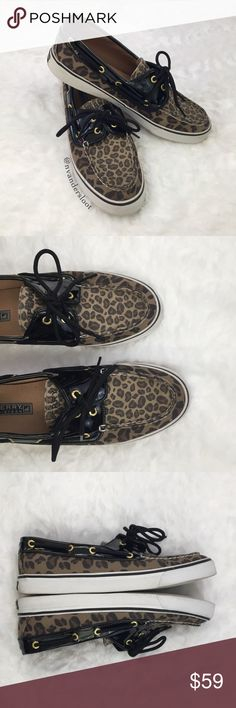 Sperry Top-sider boat shoes Cheetah print with black upper Speery boat shoes. In great condition with minimal wear. Perfect paired with skinny jeans or shorts/capris in the warmer months. 🍁☀️Please feel free to ask any questions prior to purchase. Sperry Shoes Flats & Loafers