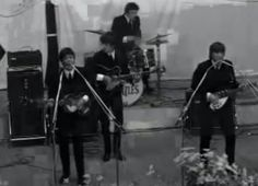 Eerste optreden The Beatles in Nederland, 1964. Nederlands Instituut voor Beeld en Geluid. (15 juni 2007). The Beatles in Nederland (1964). [videobestand]. Geraadpleegd via  https://www.youtube.com/watch?v=XxifNJChWZ0