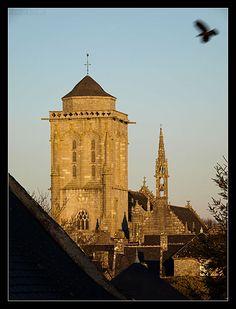 #Bretagne #Finistere #Locronan © Paul Kerrien http://toilapol.net