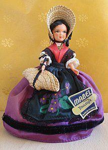 Les poupées de collection, de tous les pays, de vrais nids à poussière !! ^^…