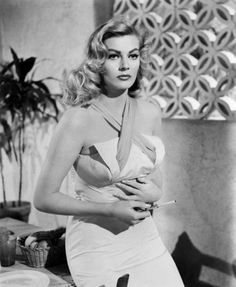 Anita Ekberg in the Movie 'Back from Eternity' Photo Swedish Actresses, Classic Actresses, Female Actresses, Beautiful Actresses, Actors & Actresses, Old Hollywood Stars, Hollywood Icons, Vintage Hollywood, Hollywood Actresses