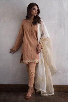 Ravishing grey crepe embroidered jacket dress by Nida Azwer trendy collection 2018 Simple Pakistani Dresses, Pakistani Fashion Casual, Pakistani Dress Design, Pakistani Outfits, Indian Outfits, Indian Fashion, Indian Dresses, Pakistani Kurta, Anarkali
