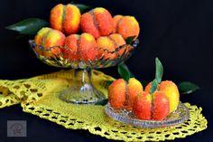 Piersici umplute cu crema - CAIETUL CU RETETE Delicious Desserts, Watermelon, Sweets, Candy, Christmas, Food, Sweet Treats, Deserts, Recipes