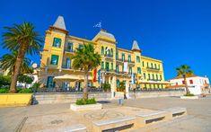 ΣΠΕΤΣΕΣ Greece, Mansions, House Styles, Travel, Home Decor, Greece Country, Viajes, Decoration Home, Manor Houses