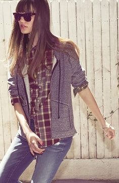 Plaid comfy fall winter spring outfit jeans grey gray zip up hoodie
