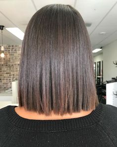 Short Brunette Hairstyles and New Trends in 2020 We usually hear that blondes have more fun but that isn't the case when it comes to some gorgeous short brunette hairstyles. Brown hair is a beautiful… Formal Hairstyles For Short Hair, 50s Hairstyles, Short Hair Cuts, Straight Hairstyles, Short Brunette Hairstyles, Hairstyle Ideas, Hairstyle Short Hair, Short Thick Hair, Braided Hairstyles
