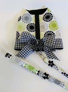 Blooming Lime by Jody Lee on Etsy Love these colors together!