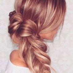 Braune Haare mit Erdbeer-Blonde Strähnen