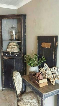 Home Decoration Ideas Living Room .Home Decoration Ideas Living Room Country Decor, Rustic Decor, Farmhouse Decor, French Home Decor, Vintage Home Decor, Vintage Interiors, Black Furniture, Painted Furniture, Furniture Design