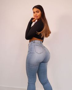 Love Of Beauty Is Taste. The Creation Of Beauty Is Art. Curvy Girl Outfits, Curvy Women Fashion, Plus Size Fashion, Women's Fashion, Sexy Jeans, Skinny Jeans, Look Body, Legging Sport, Fit Girl