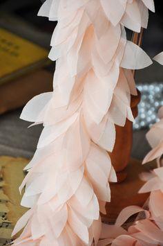 Dentelle de feuilles de rose orange ornent par CharmingTrim sur Etsy
