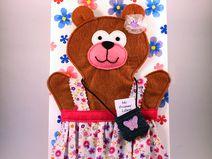 Tarjeta marioneta Mamá Osa 100% hecha a mano. En http://es.dawanda.com/shop/rosecatworld