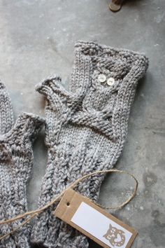 Love the color and owls! Knit Mittens, Mitten Gloves, Knitting Accessories, Fingerless Gloves, Color Themes, Arm Warmers, Brown And Grey, Knitting Patterns, Knit Crochet