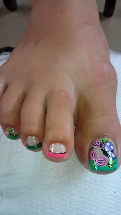 Toe Nail Color, Toe Nail Art, Nail Colors, Cute Pedicure Designs, Toe Nail Designs, Painted Toe Nails, Cute Pedicures, Beautiful Toes, Pedicure Nail Art