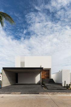 Beach House / [H] arquitectos