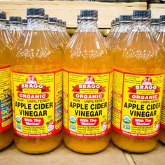 10 Unexpected Ways to Use Apple Cider Vinegar Around the House Homemade Fruit Fly Trap, Apple Cider Vinegar Uses, Chicken Bullion, Fresh Apples, Us Foods, Caramel Apples, Cooking Tips, Cleaning Tips, Fall Cleaning
