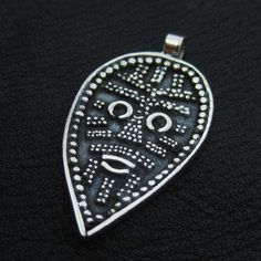 Silver Viking Face pendant from The Sunken City by DaWanda.com